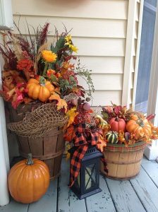 Garden-Landscape-Ideas-For-Thanksgiving_Porch-Landscape-Ideas-For-Thanksgiving_01