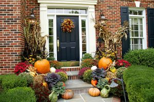 Garden-Landscape-Ideas-For-Thanksgiving_Porch-Landscape-Ideas-For-Thanksgiving_02